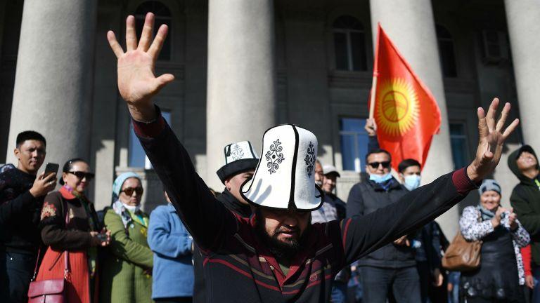 Киргизия в очередной раз наступила на грабли буржуазного переворота