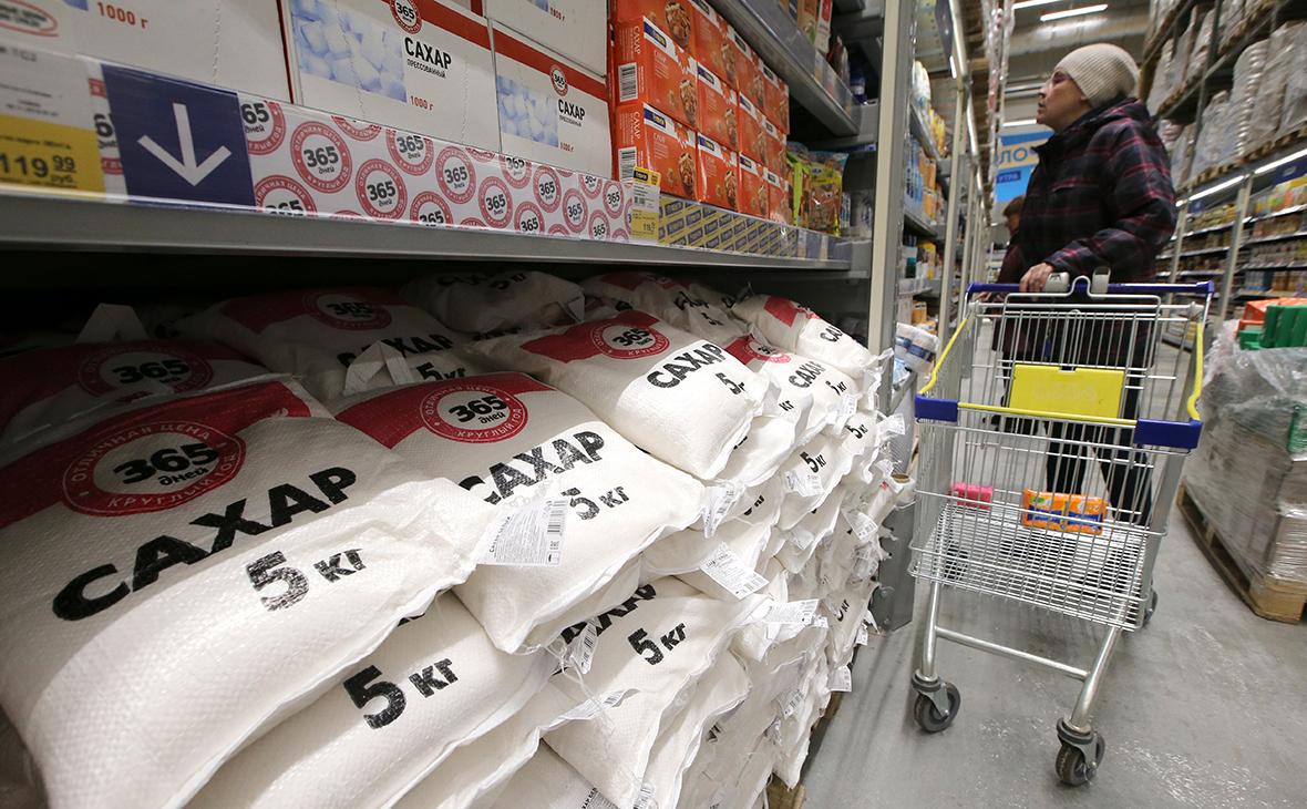Путин дал неделю на то, чтобы принять меры по сдерживанию роста цен на сахар и макароны