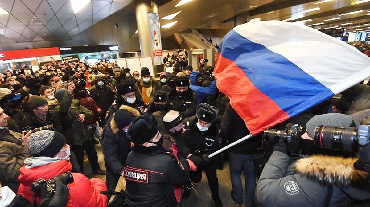 «Навальный» и «Бузова»