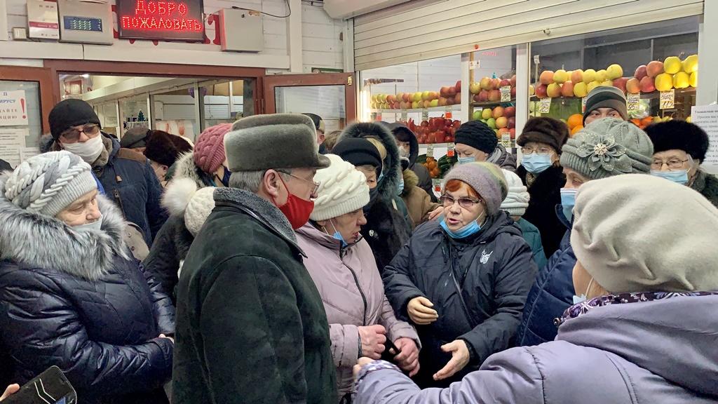 «АКВИЛОН ЖИВИ!» Александр Воробьев вместе с брагинцами борется за сохранение торгового комплекса