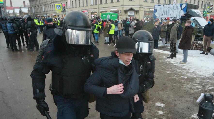 Глухонемой арестован за «выкрикивание» лозунгов