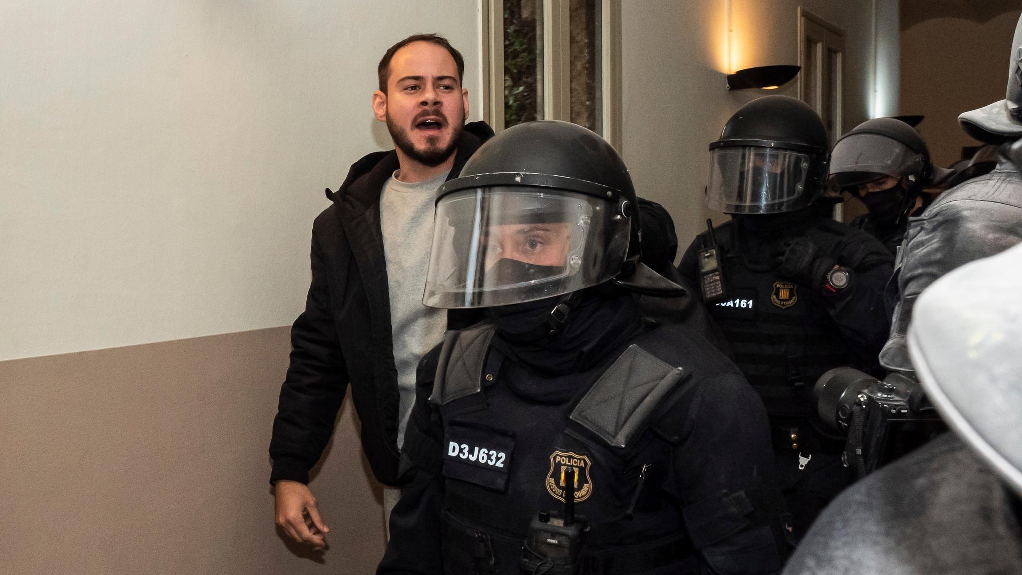 Испания встала на защиту рэпера-коммуниста
