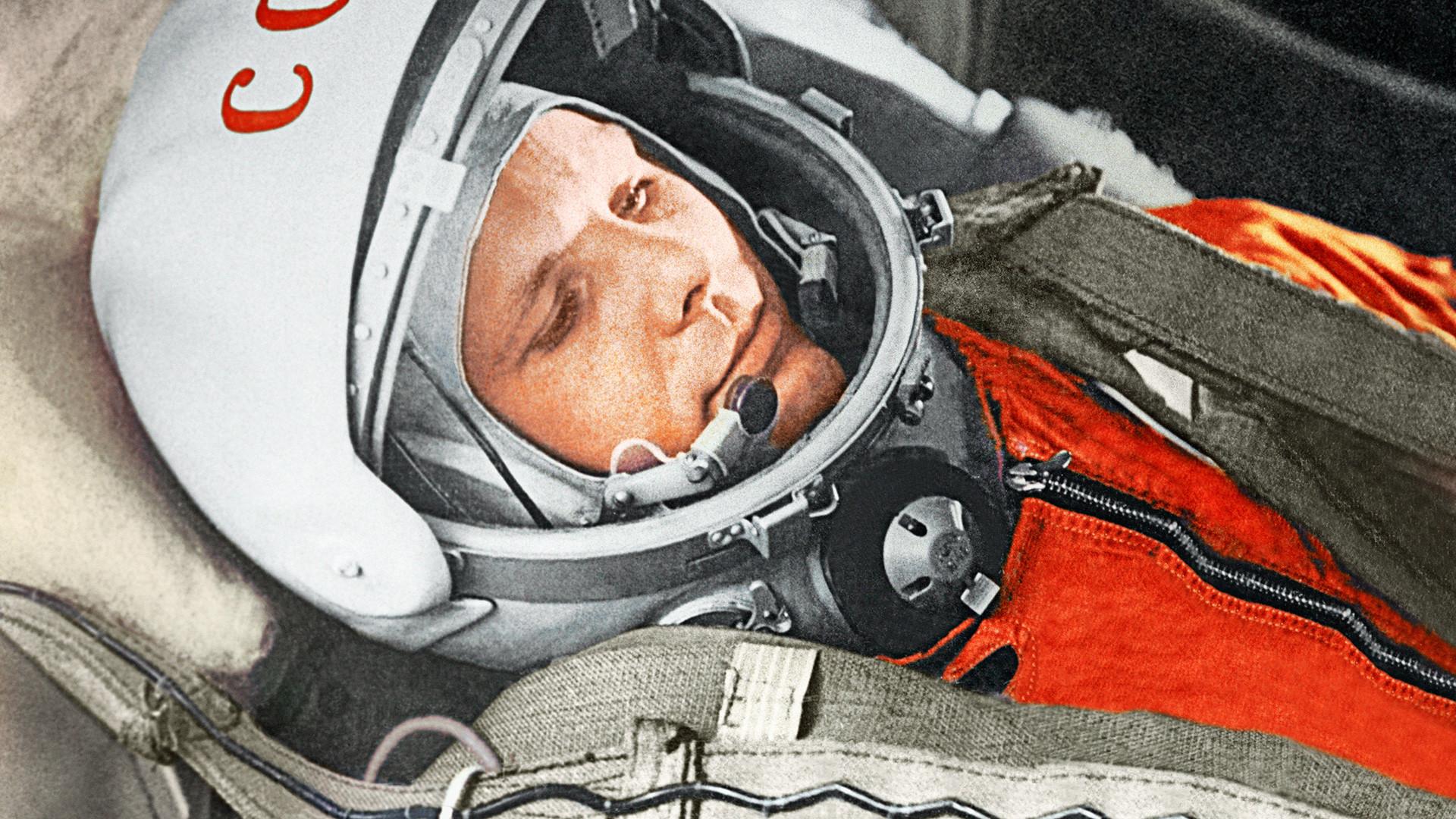 Космический подвиг советского социализма