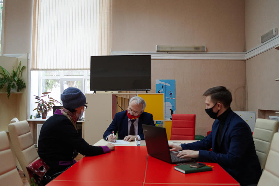 Александр Воробьев провёл депутатский приём в Первомайском районе