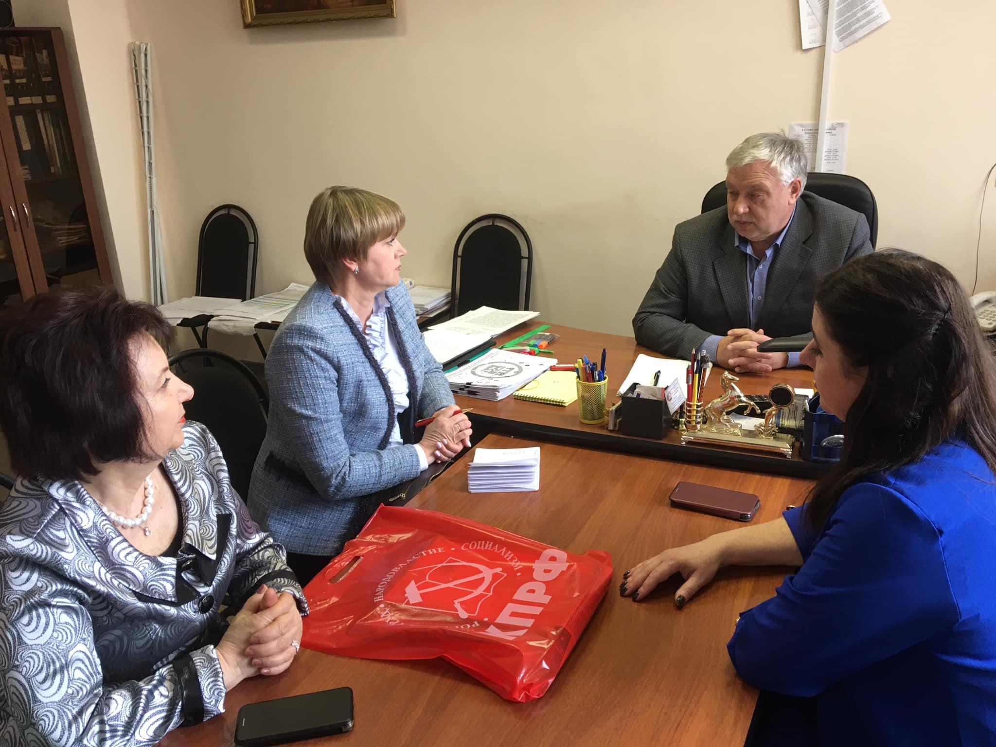 Елена Кузнецова вручила Почетные грамоты преподавателям колледжа