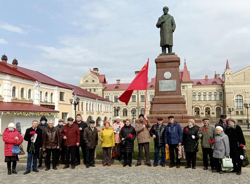 Памяти Ленина верны