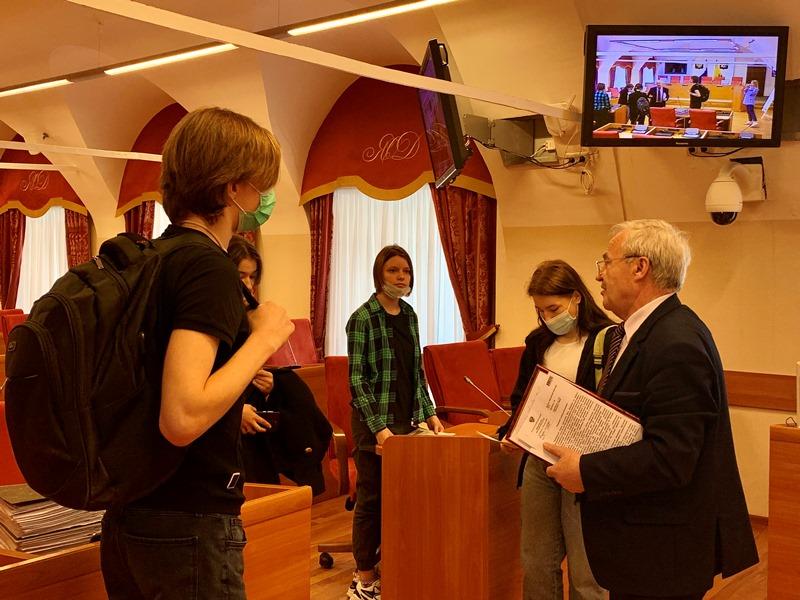 Александр Воробьев провел встречу со студентами Ярославского градостроительного колледжа