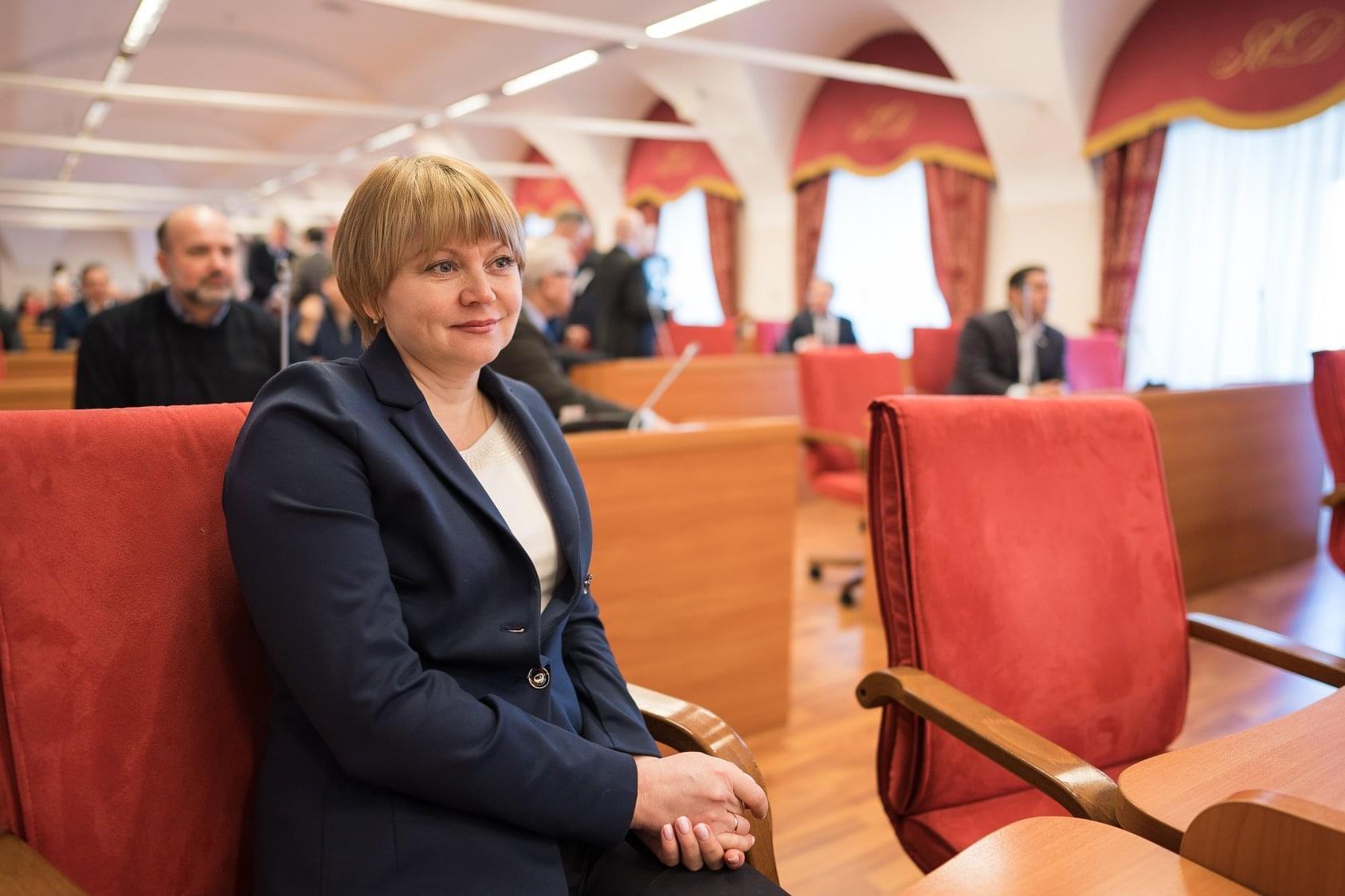 Поздравляем с днем рождения Е.Д. Кузнецову