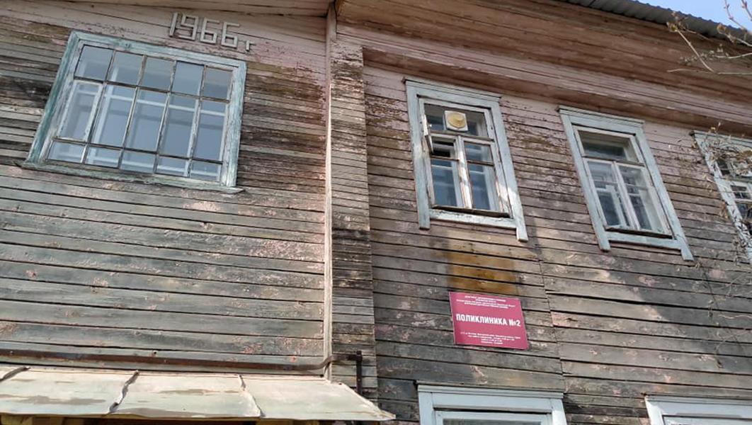 Комиссия без единого строителя не признала две больницы в Ярославской области аварийными