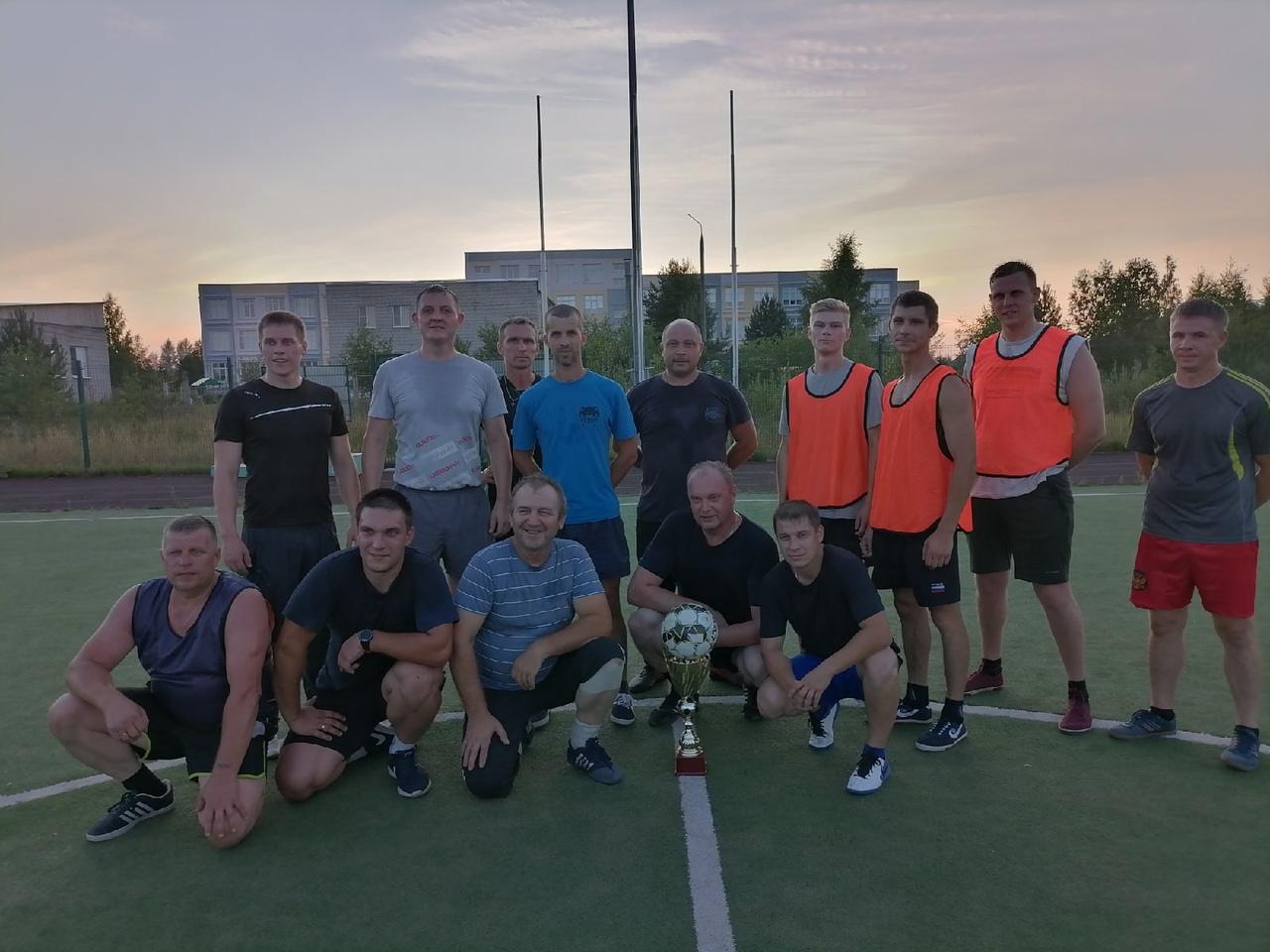 Николай Грибко принял участие в футбольном матче сотрудников и ветеранов Отдела полиции по Любимскому району