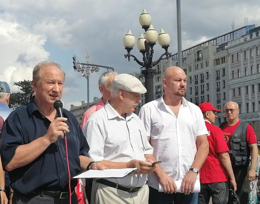 Депутаты-коммунисты провели встречу с избирателями