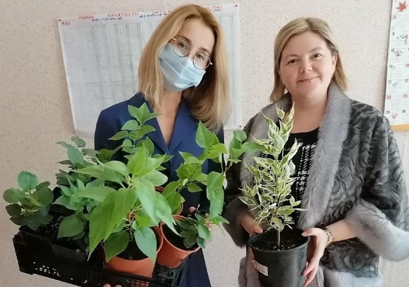 Евгения Овод поздравила школы Дзержинского района с Днем знаний